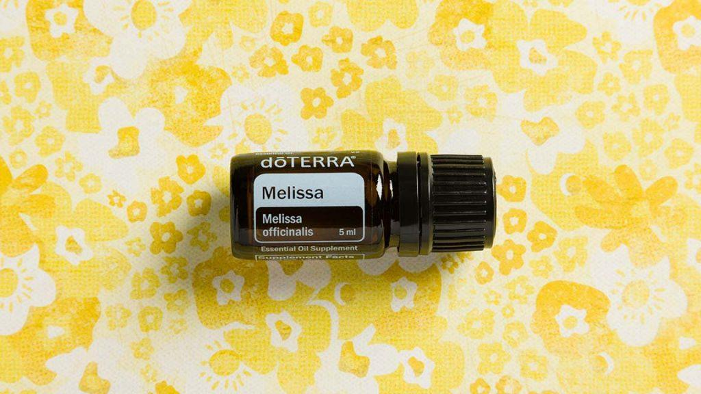 How to Reduce Dementia Symptoms with Melissa Essential Oil