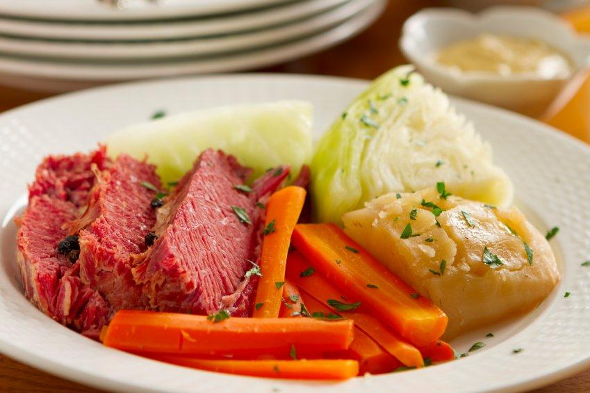 The Easiest Method to Make Corned Beef and Cabbage