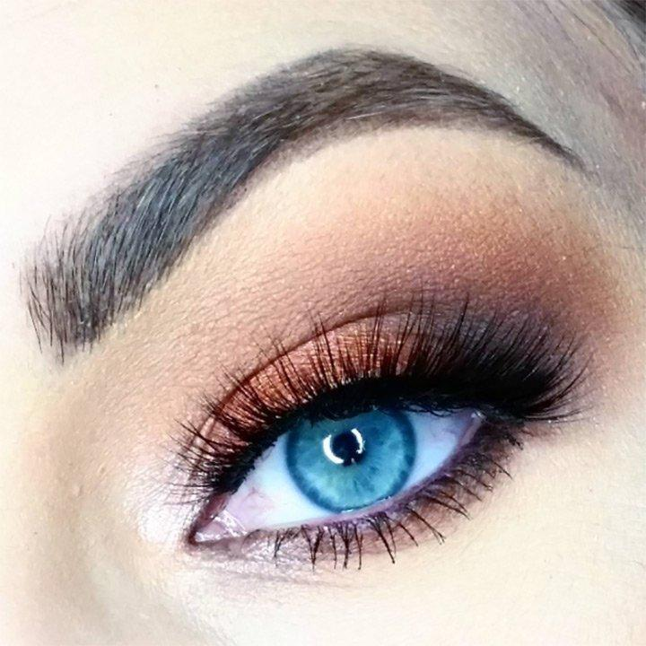 Makeup Tips For Blue Eyes: Best Tips For The Blue Eyed Ladies