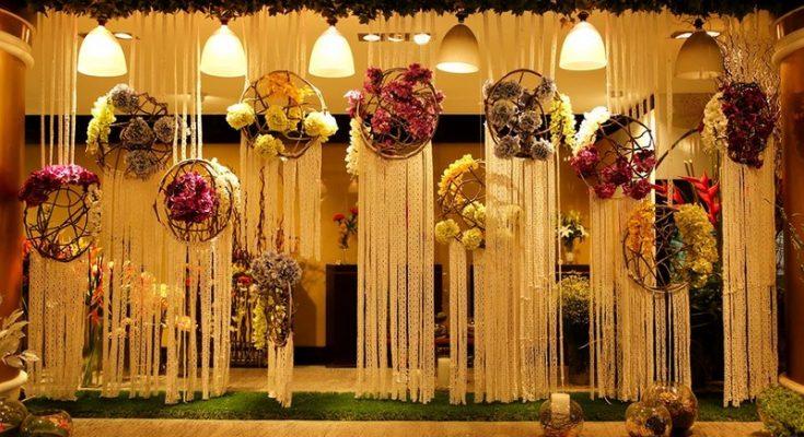 8 Drool Worthy Wedding Entrance Decoration Ideas That You