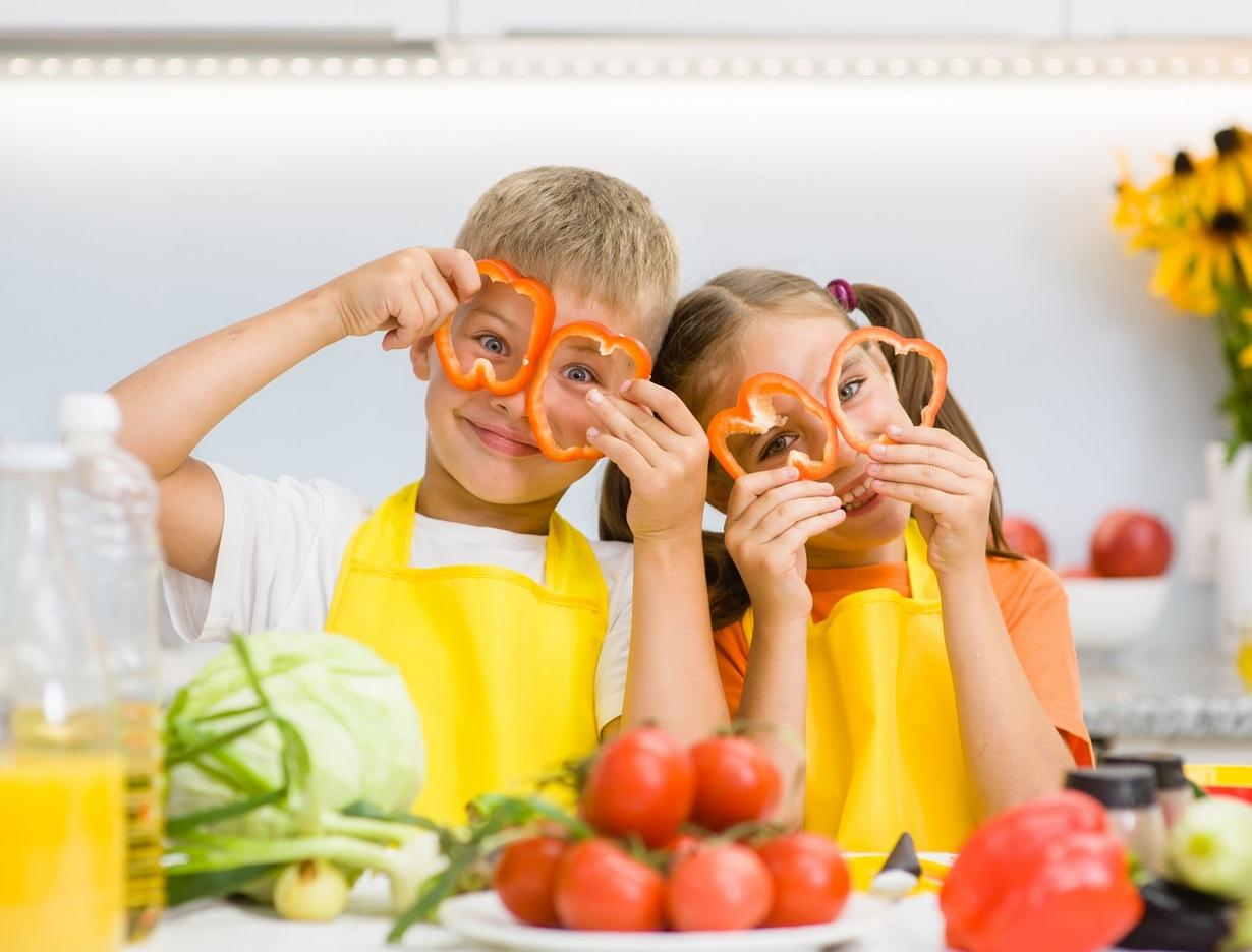 How to Make Sure Your Kids Get Their Daily Servings of Fruits and Veggies