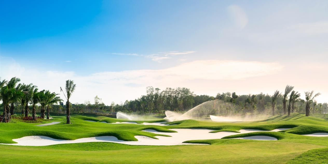 What Makes Forest City Golf Resort an Ideal Destination for Tourists