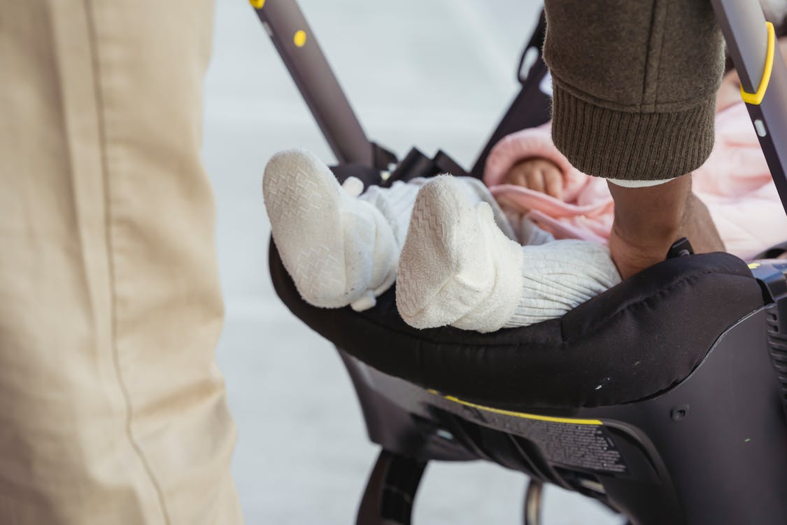 6 Questions Before Buying Your Baby's Stroller