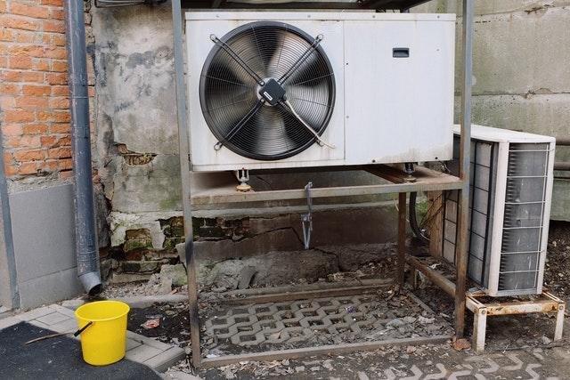 How to Keep Your HVAC Unit Energy Efficent This Spring