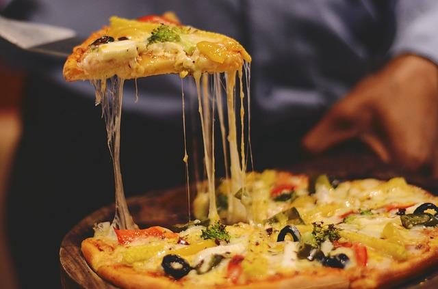 Pizza sauces and toppings