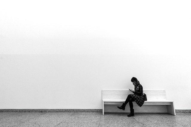 Considering Minimalism? Here 5 Easy Ways To Get Started