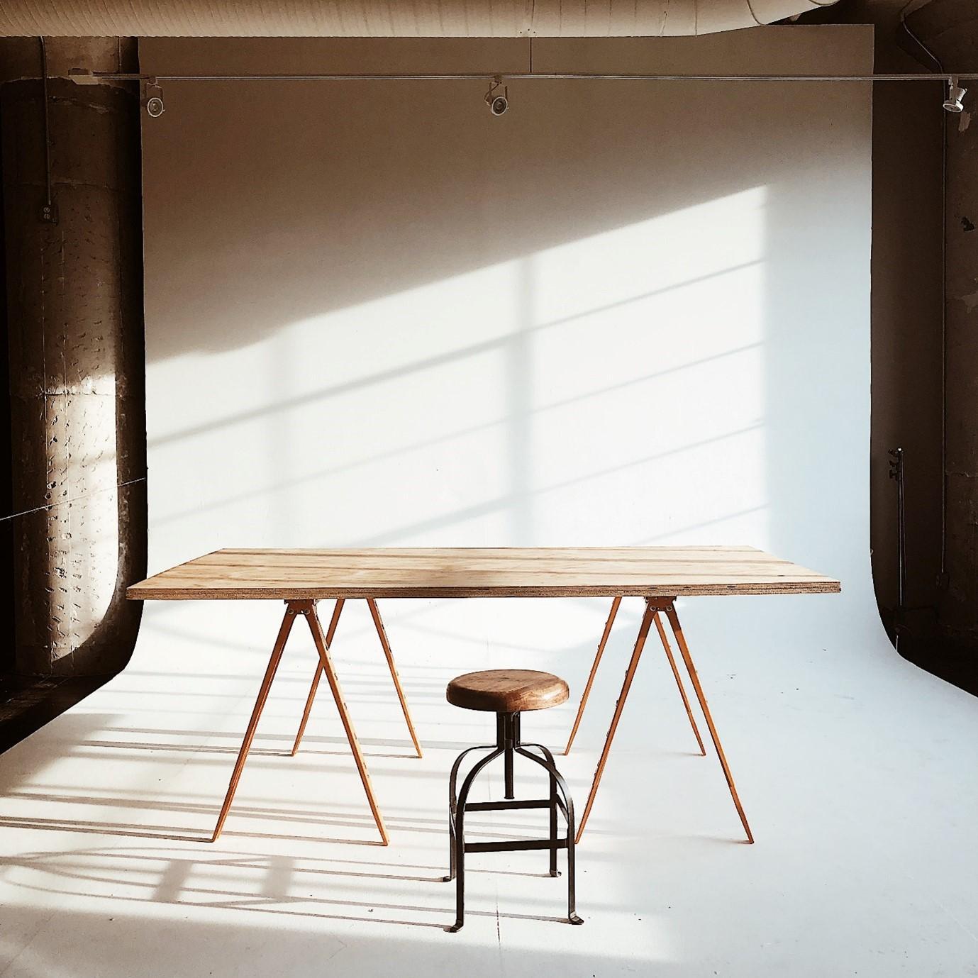 DIY UK table